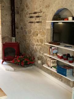 Adorable House in Alacati with Satellite Or Cable TV, sleeps 5 - Alacati vacation rentals