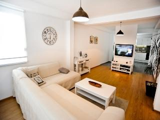 Newly decorated apartment for 4+2 people - Petrcane vacation rentals