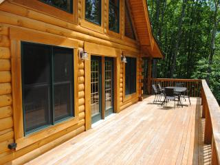 Comfortable House with Deck and Internet Access - Pipestem vacation rentals