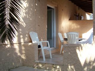 maison mitoyenne clim, bbq, à 150 de la plage - Poggio-Mezzana vacation rentals