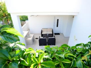 Apartment near beach for 2+2+1 people - Petrcane vacation rentals