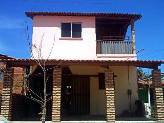 Nice House with Housekeeping Included and Balcony - Icapui vacation rentals