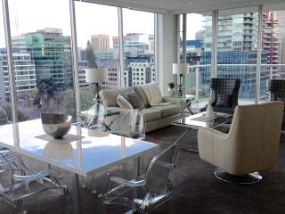 Spectacular Views City Centre, 2 Brm Luxury - Adelaide vacation rentals