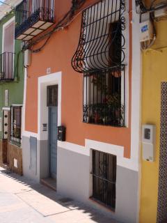 Nice Condo with Washing Machine and Refrigerator - Villajoyosa vacation rentals