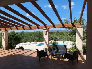 Nice Villa with Dishwasher and Outdoor Dining Area - El Perello vacation rentals