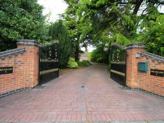 Nottingham luxury home with indoor pool* sleeps 12 - West Bridgford vacation rentals