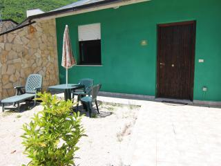 Nice Townhouse with Television and Central Heating - Villavallelonga vacation rentals