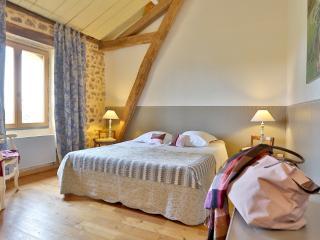 Léone Haute chambre Vipérine - Saint-Avit-Riviere vacation rentals