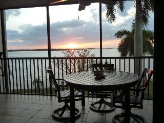 Bay View Tower #237 - Sanibel Harbour Resort - Sanibel Island vacation rentals