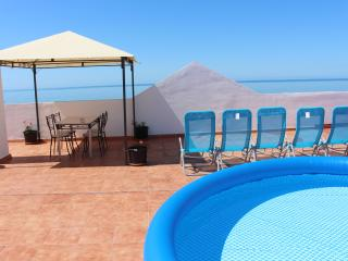 A 2 min walk to the beach and the promenade, wifi - Torrox vacation rentals