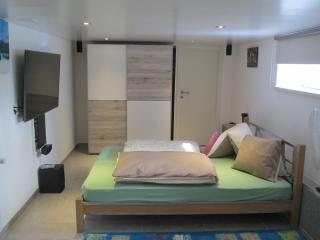1.5 Bed Room Studio, HD-TV55' &5.1 Home Cinema - Saint Gallen vacation rentals