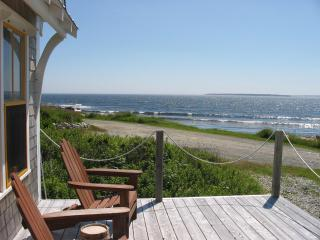 THE BOATHOUSE COTTAGE - Oceanfront - Eagle Head vacation rentals