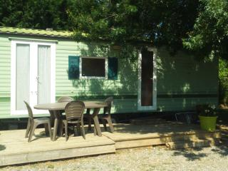 Charming 2 bedroom Anduze Caravan/mobile home with Internet Access - Anduze vacation rentals