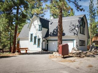A private hot tub & game room, 2 blocks from Heavenly's California Lodge! - South Lake Tahoe vacation rentals