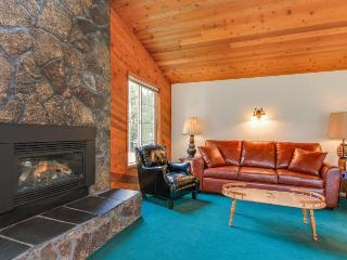Ultra-cozy pet-friendly house with all the comforts of home - Lincoln City vacation rentals