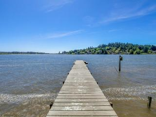 A premier lake front experience on the Oregon Coast - Otis vacation rentals