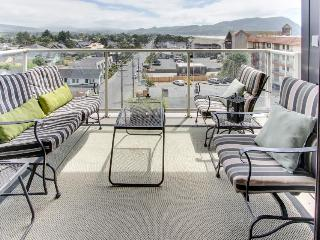 Oceanview, dog-friendly condo close to beach & town with shared pool! - Seaside vacation rentals