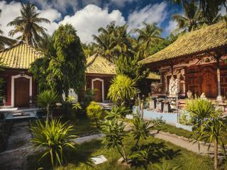 Beautiful 1 bedroom Bungalow in Nusa Penida with Internet Access - Nusa Penida vacation rentals