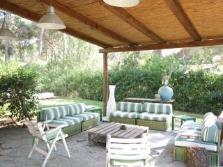 VILLA SORRISO CON SPIAGGIA PRIVATA - Castiglione Della Pescaia vacation rentals