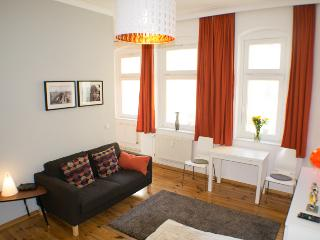 'Margarete' Studio Prenzlauer Berg - Berlin vacation rentals