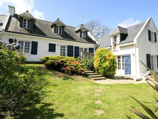 Mystique 33538 villa with indoor heated pool of 7.5 x 3.2 mtr, jacuzzi and sauna - Finistere vacation rentals