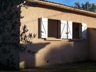 maison mitoyenne, jardin, bbq à 150 m de la plage - Poggio-Mezzana vacation rentals