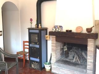 Nice House with Television and Parking - Vallerano vacation rentals