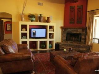 Come and Experience Tucson! Four Bedroom Home Tanque Verde Oasis at Soldier Trail - Tucson vacation rentals