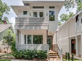 3BR/2.5BA Contemporary Nashville Retreat with Countless High-End Finishes - Nashville vacation rentals