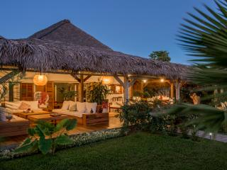 Villa Lakana en bordure de plage - Nosy Be vacation rentals