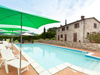 Gorgeous 5 bedroom Massa Marittima Farmhouse Barn with Garden - Massa Marittima vacation rentals