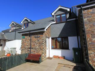 2 bedroom House with Internet Access in Saint Issey - Saint Issey vacation rentals