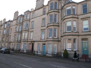 2F/1, 13 Comely Bank Terrace, Edinburgh EH41AT - Edinburgh vacation rentals