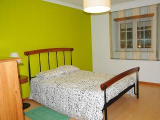 Perfect Villa with Dishwasher and Alarm Clock in Montemor-o-Velho - Montemor-o-Velho vacation rentals