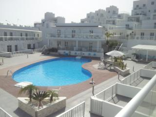 Lovely Condo with Internet Access and A/C - Mazotos vacation rentals