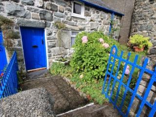 Traditional Welsh Cottage at Trawsfynydd Snowdonia - Trawsfynydd vacation rentals