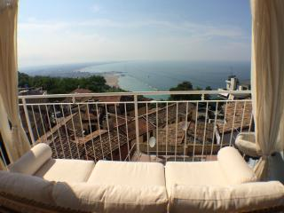 Nice House with A/C and Outdoor Dining Area - Gabicce Monte vacation rentals