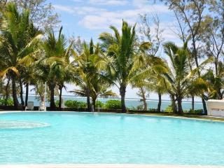 4 bedroom Villa with Internet Access in Belle Mare - Belle Mare vacation rentals