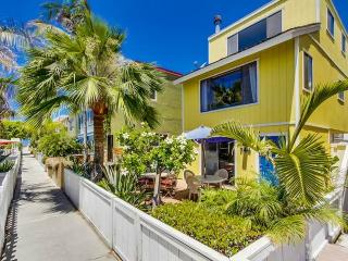 Gorgeous 3 bedroom San Diego House with Internet Access - San Diego vacation rentals