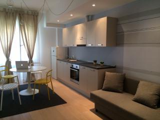 appartamento ampio e luminoso di design - Bologna vacation rentals