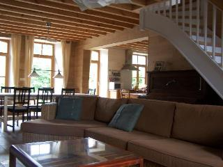 Nice Gite with Internet Access and Balcony - Oignies-en-Thierache vacation rentals