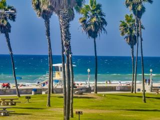 Denise's South Mission Beach Retreat: Best location, miles away from all the attractions - Pacific Beach vacation rentals