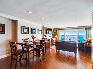 Chambless Riviera Villas Condo: Panoramic Bay View, Bikes, Wifi, DVR, Movie Channels and More - San Diego vacation rentals