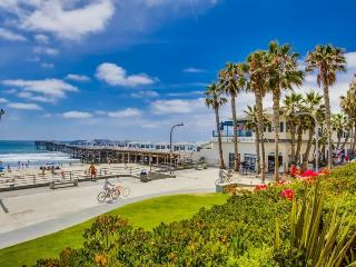 Crystal`s See the Sea Condo: On Boardwalk at Crystal Pier, Portable AC in bdrm, Hot Tub, Wifi, & Bikes - San Diego vacation rentals