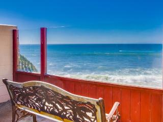 The Martinique Ocean Front Condo: Pet friendly with hot tub & fire pit - Pacific Beach vacation rentals
