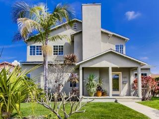 The Grande House plus studio: Beautiful house in Sunset Cliffs! Large Backyard, BBQ, Dog OK, Bikes, Wifi - Encinitas vacation rentals
