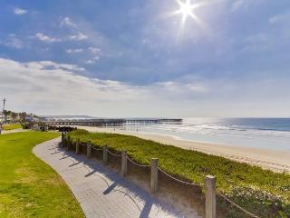 Kat`s Oceanfront Corner Condo: On the Boardwalk, Pool and Hot Tub - Encinitas vacation rentals