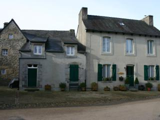 Nice House with Internet Access and Satellite Or Cable TV - La Feuillee vacation rentals