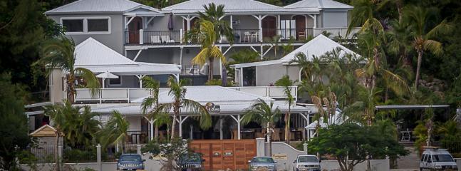 Luxury Ocean Front Mango Suite - Image 1 - Cul de Sac - rentals