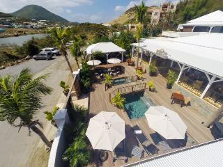 Beautiful and Luxury Vanilla suite - Cul de Sac vacation rentals